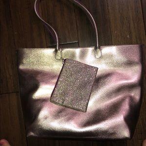 BRAND NEW: bath and body works tote with zip